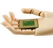 Microprocessor in robot hand (Photo: Colourbox)