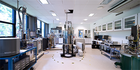 Hyperpolarization and NMR Lab (Photo: Torben Nielsen)